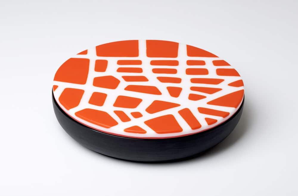 """Lumiprod, packshot de la """"Urban Box"""". Une création en pâte de verre d'Anu Penttinen."""