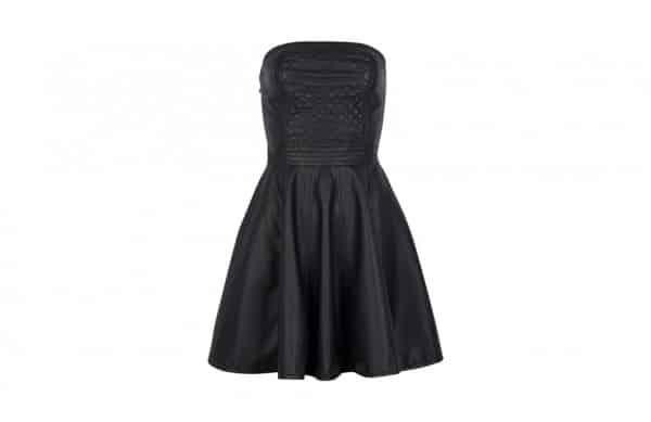 Photographie packshot d'une robe de soirée noire en ghost.