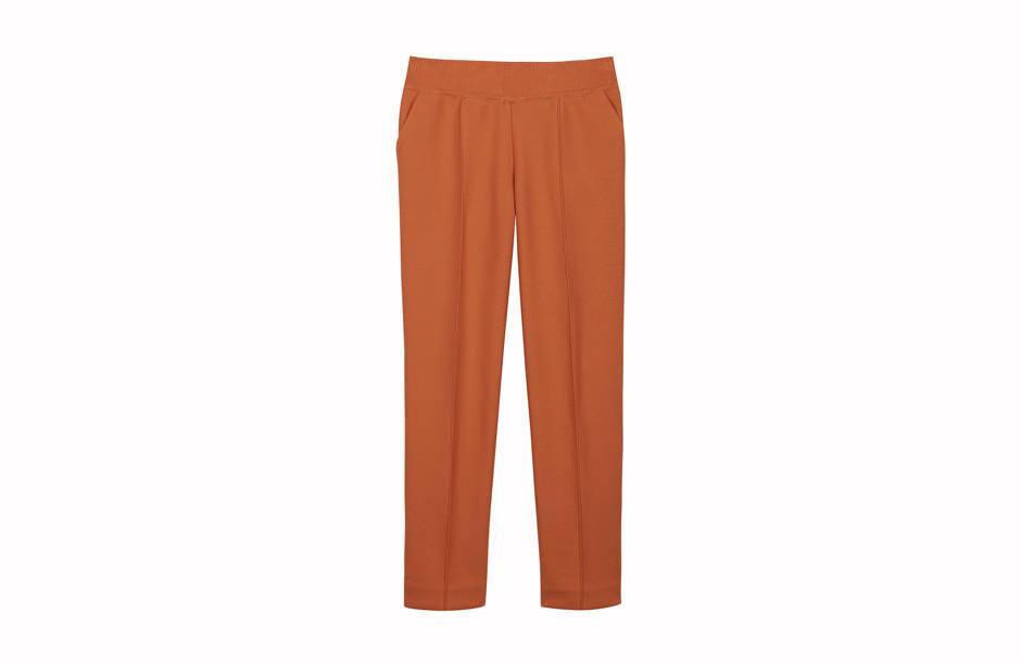 Pantalon photographié à plat. Flat shot.