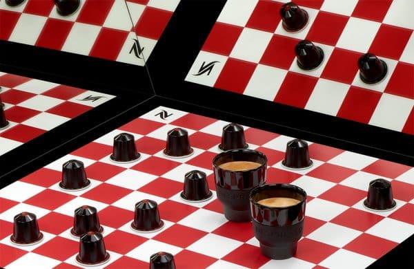 Composition ambiance jeu d'échec Nespresso