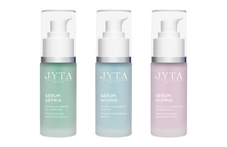Photographie packshot d'une gamme de cosmétiques Jyta.