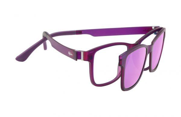 Lumiprod, photographie packshot d'une paire de lunettes avec clip solaire.
