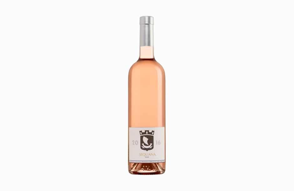 Photographie packshot d'une bouteille de vin.